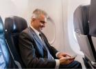 """解禁了!东航、海航宣布明起空中可用手机 需设置为""""飞行模式"""""""