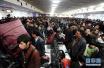 今日迎学生返程客流高峰 广铁发送旅客156万人次