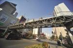 南京洪武路天桥吊装施工 3月14日晚部分路段封闭