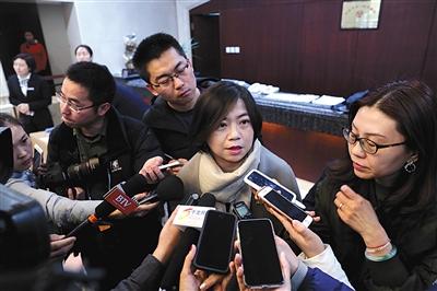 """北京赛车冠军稳赢法:非法放贷衍生暴力催收 代表建议刑法增设""""非法放贷罪"""""""