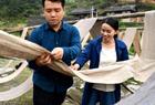 大学生回村创业卖土布