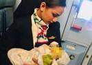 空姐母乳餵養陌生嬰兒