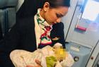 空姐母乳喂养陌生婴儿