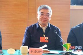 """政协委员朱永新:学习类APP进校园应避免""""一刀切""""式监管"""