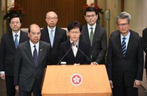 林郑月娥视察香港公众街市和警务设施