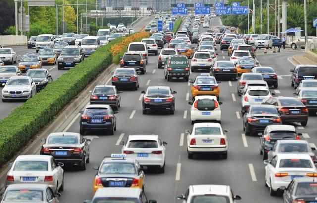 国家级汽车松绑政策落地 新能源车或是利好关键
