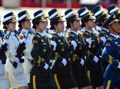 解读平壤大阅兵:各国聚焦主席台成员