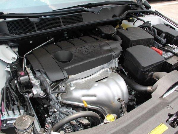 丰田(进口)  2.7L 自动 发动机主体特写