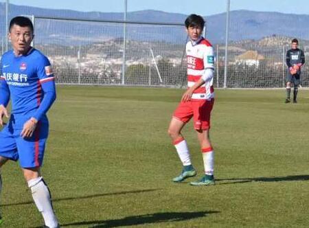 前亚洲第一前锋之子 与张玉宁同龄 20岁的他已