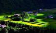 一个藏在梅里雪山腹地如诗如画的藏族村落