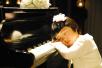孩子学弹钢琴容易近视?过早过度用眼危害大