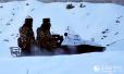 黑龙江漠河:边防官兵零下35℃极寒天气骑乘雪地摩托巡查界江