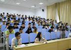 从入学到毕业 高校各年级均需开设就业指导课