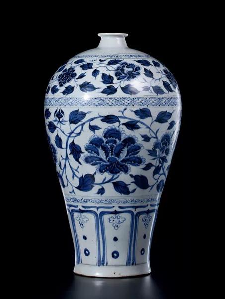 927 元 青花缠枝牡丹纹梅瓶