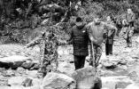 台州一妈妈欲带14岁儿子无装备穿越峡谷:为锻炼其意志力