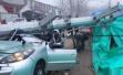 安徽蒙城一供电施工现场电线杆坠落砸中轿车,致1死4伤