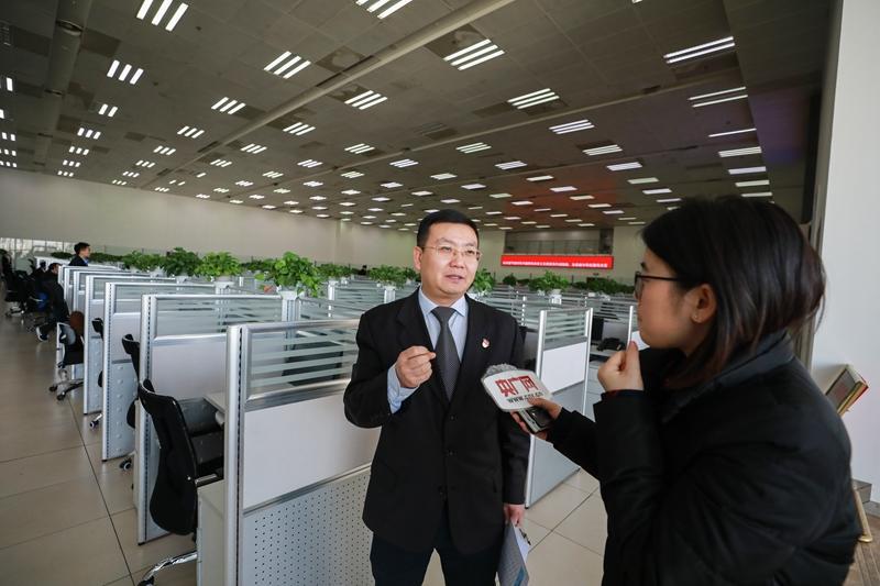 """澳门巴黎人电子游艺:北京""""12306""""春运故事:常有旅客致电让高铁等一等"""