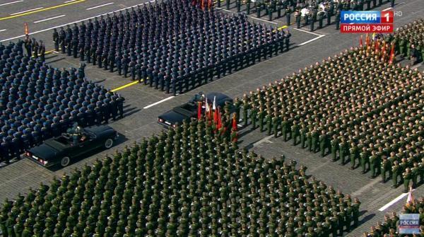 全天北京赛车PK10计划:俄罗斯阅兵式上,戈尔巴乔夫黯然抹泪