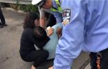 青岛男子5·20当天再次酒驾被查 妻子当场被气晕