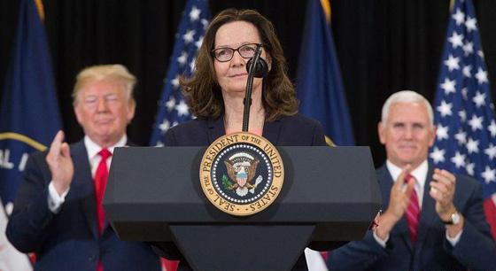 """美国CIA新任""""女掌门""""哈斯佩尔宣誓就职"""
