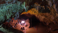 泰国海军提救援计划:被困少足队13人明日可出洞