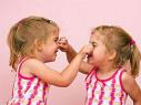 听说捏鼻梁可以使鼻子变挺?你小时候被捏过吗?