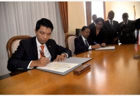 马达加斯加总统权力交接实现平稳过渡