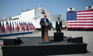 美海军医疗船仅收3名病人 纽约医务人员怒批:不帮忙有啥意义