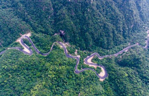 河南鲁山:纪检护航下的最美公路成了网红打卡地