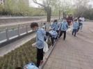 郑州市未来小学:绿城小雷锋 春日在行动