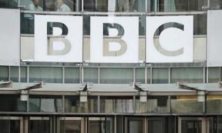 """全是套路! 英国BBC罕见认错: 叙利亚""""化武袭击""""纪录片我们造假了!"""