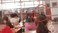 组图:云南某高校学生为复习提神用银针扎自己