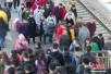 春节假期结束 中国铁路迎来返程客流高峰