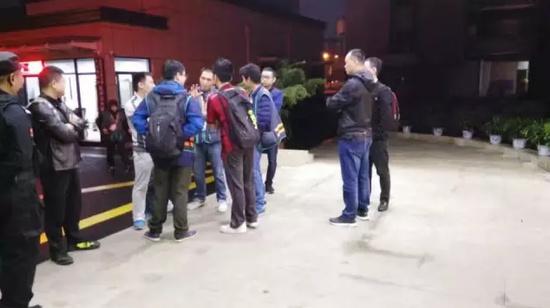 杭州/代驾司机纷纷赶到医院
