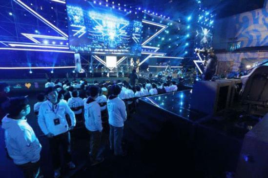 王思聪/核心提示:王思聪对蓝游文化可能的投资,创联赛是主要投资标的...