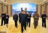 金正恩视察革命博物馆 拥抱98岁朝鲜女抗日战士