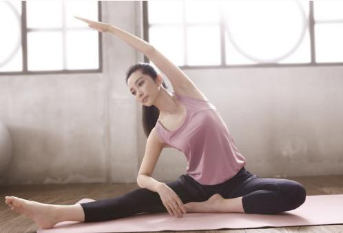 為啥現在的女星都愛練瑜伽?圖片
