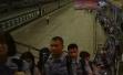 浙江破获特大电信网络诈骗案,民警带着点钞机去嫌犯家点钱