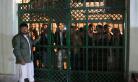 阿富汗两座清真寺遭袭致49人丧生