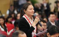 十九大记者招待会 中国冶金报记者向何立峰和宁吉喆提问