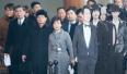 朝鲜考察队在韩国电视台碰上女团彩排 气氛略尴尬