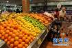 近期济南蔬菜价格降了不少,水果市场草莓热销