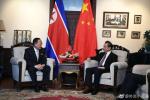 外交部长王毅会见朝鲜外相李勇浩