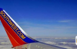美国西南航空又出事:客机窗户破裂迫降 机上人员平安