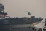 国产航母首次起降直升机 系泊试验向前推进一阶段
