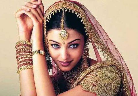 为什么印度人喜欢用毛巾包住头?答案你想不到