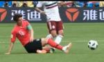 韩国再上演功夫足球