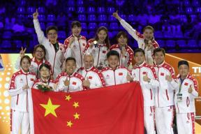 一劍絕殺!擊劍世錦賽中國女子重劍問鼎團體金牌