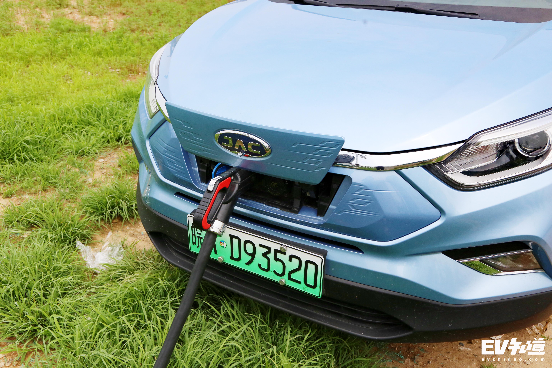 为推广新能源汽车 海南将实施停车差别化收费