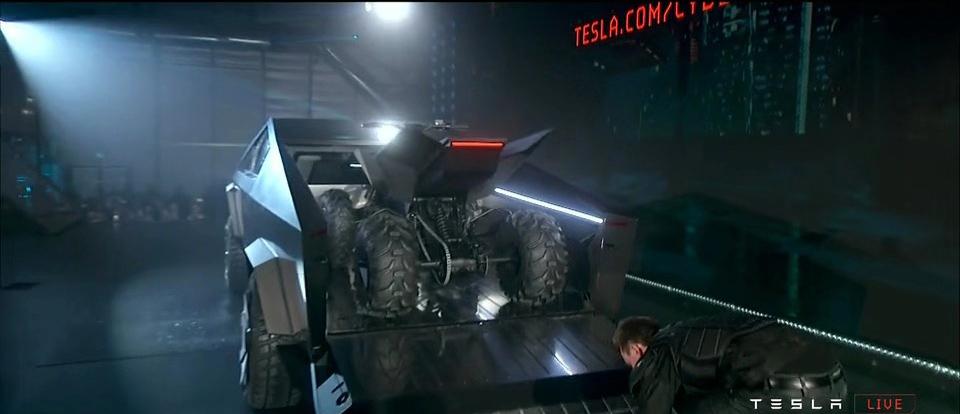 特斯拉纯电动皮卡Cybertruck正式发布